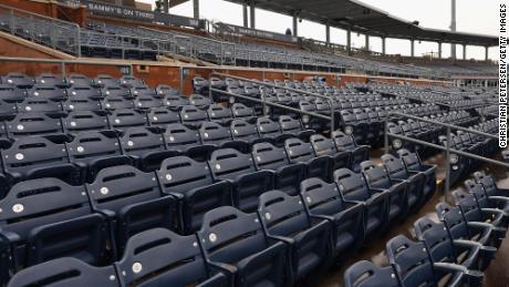 Opinie: Sportul nu poate exista fără fani pe scaune