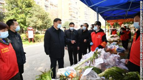 Chinese President Xi Jinping asked about the supply of daily necessities at a residential community in Wuhan during his visit on Tuedsay.