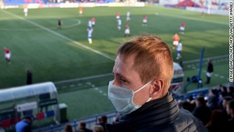 Le football est fermé à travers l'Europe en raison du coronavirus, mais au Bélarus, c'est comme d'habitude