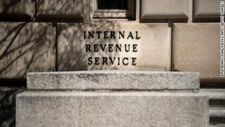 IRS plans to delay this year's tax filing deadline to mid-May