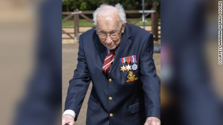 The 99-year-old army captain raising millions for the NHS