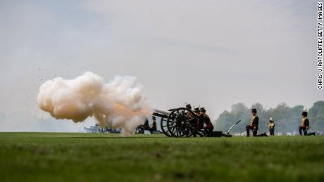 Soldiers reload a gun after firing during a 41 Royal gun salute to mark the 93rd birthday of Queen Elizabeth II at Hyde Park on April 22, 2019.