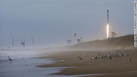 Why Elon Musk's Starlink satellites are upsetting stargazers -- again