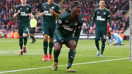 Allan Saint-Maximin scores for Newcastle against Southampton.