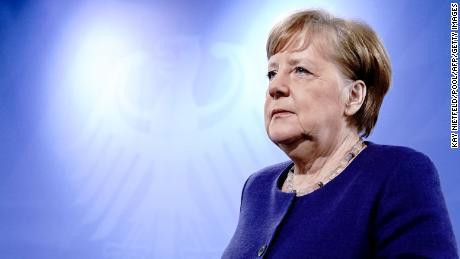 Cum Angela Merkel a trecut de la rață șchiopă la lider mondial în coronavirus