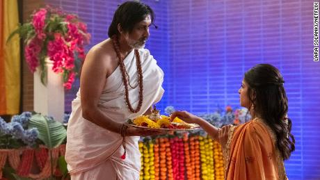 Anjul Nigam as Pandit Raj and Richa Shukla as Kamala Nandiawada.