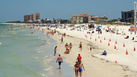 Keep up that distance, Clearwater, Florida, beachgoers! Don't forget sunscreen, either.