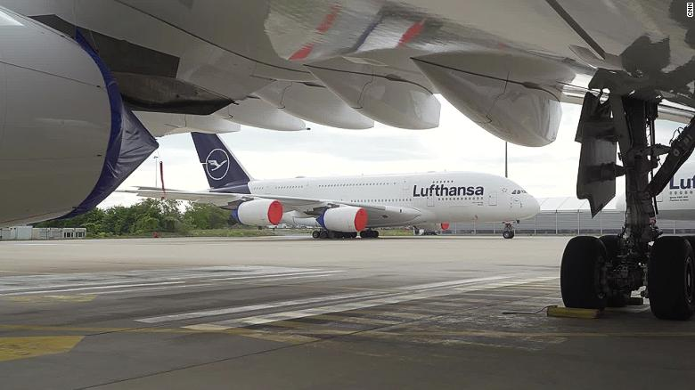 Lufthansa seeks government aid amidst pandemic
