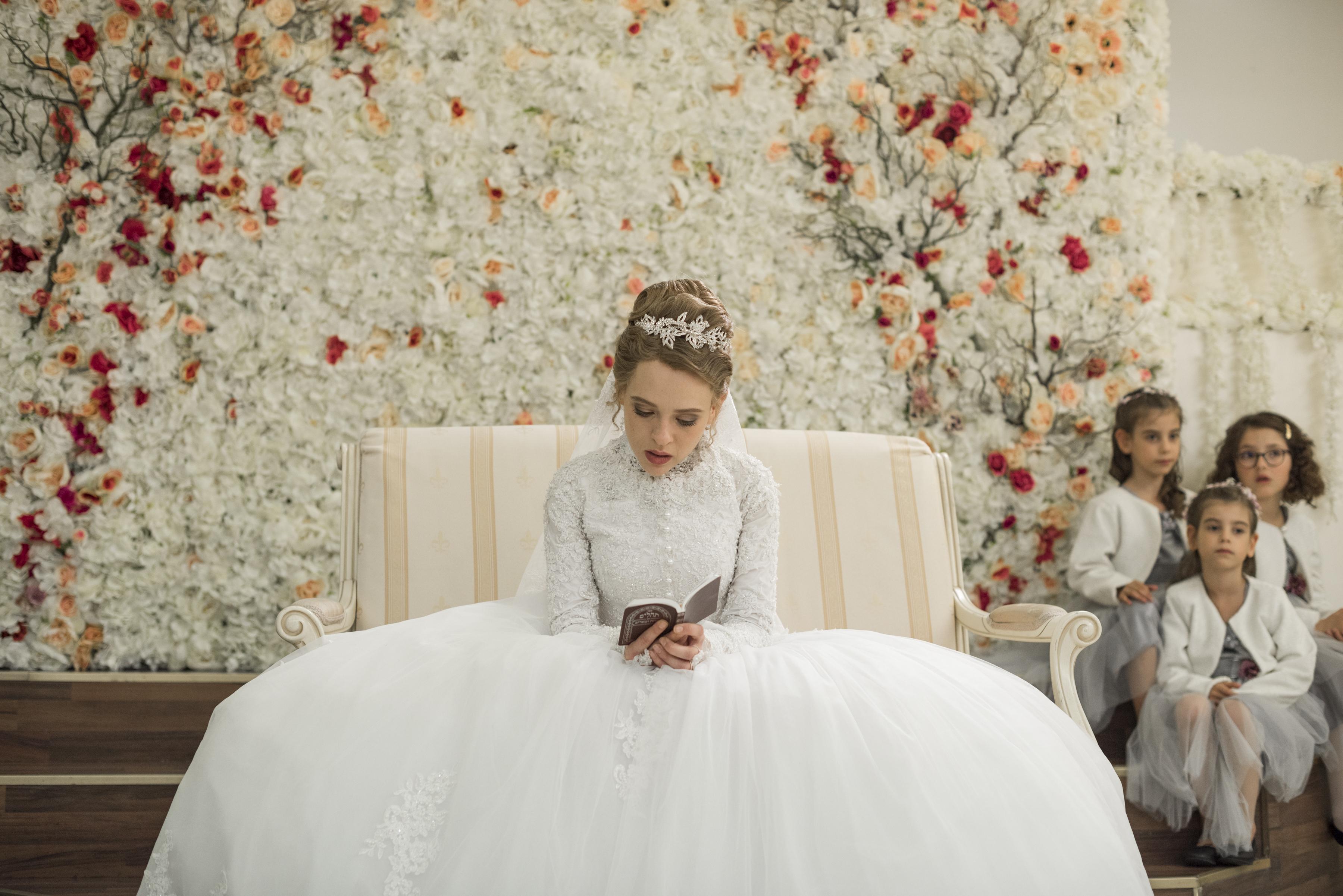 Understanding Dress Codes Of Orthodox Jewish Women And Their Diverse Interpretations Cnn Style,Plus Size Wedding Dresses Under 300