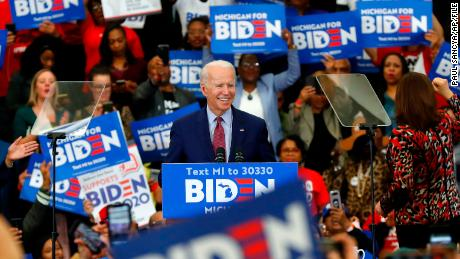 Elizabeth Warren set to host high-dollar fundraiser for Joe Biden