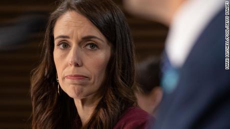 El primer ministro de Nueva Zelanda se alejó del café bajo las restricciones del coronavirus