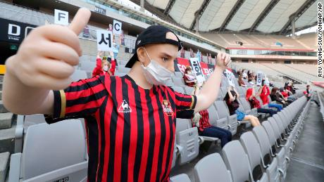 FC Seoul apologized to fans over the dolls.