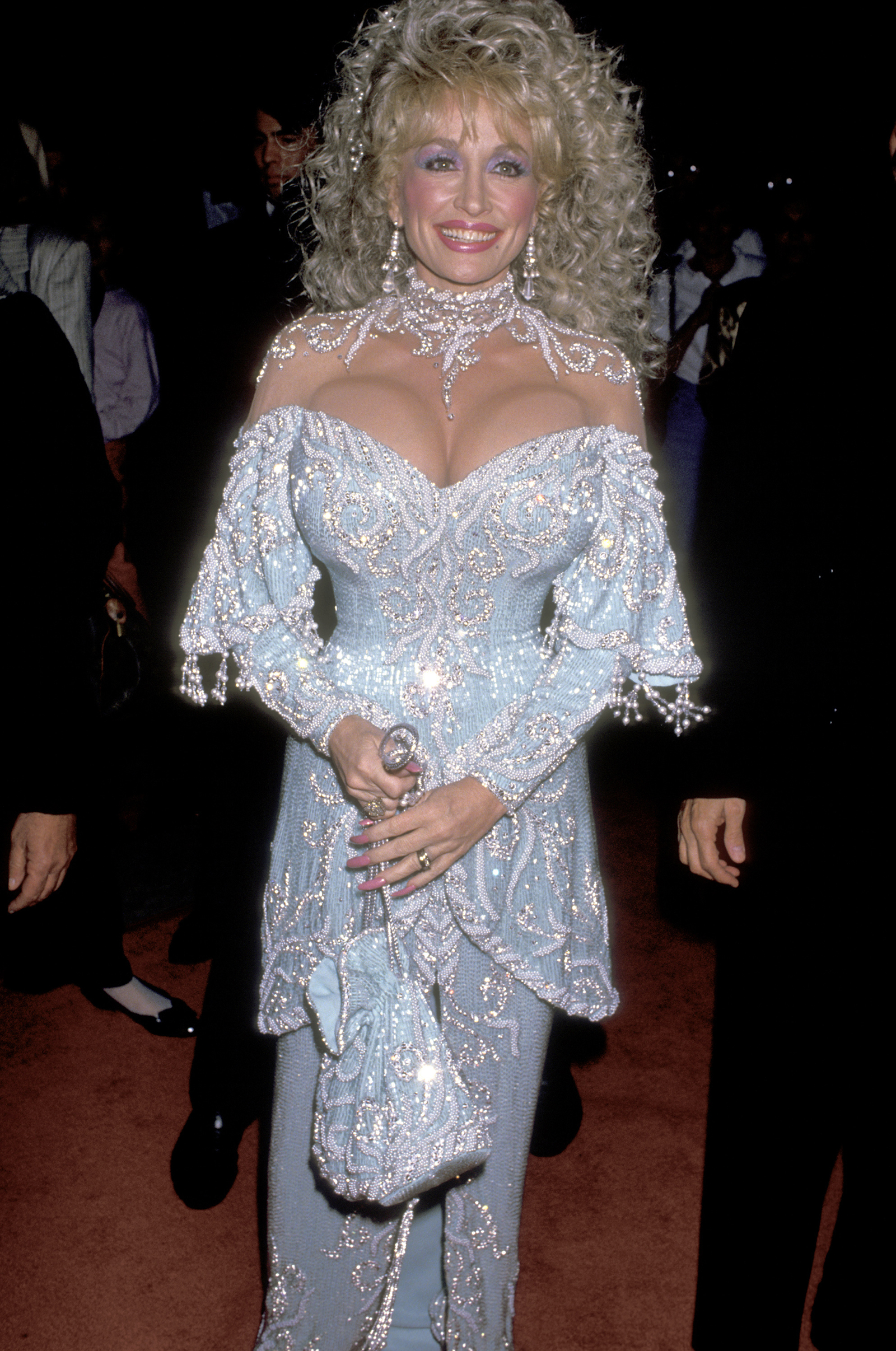Remember When Dolly Parton Fully Subverted The Dumb Blonde Cliche Cnn Style