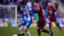 Lionel Messi intenta enfrentarse a Granero durante el choque de La Liga de Barcelona contra el Espanyol en 2018.