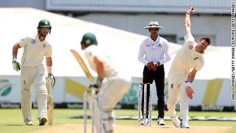 Anderson joacă într-un meci de testare împotriva Africii de Sud.