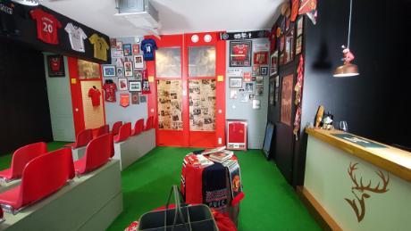 Barul Red Room se va deschide mai târziu în acest an.