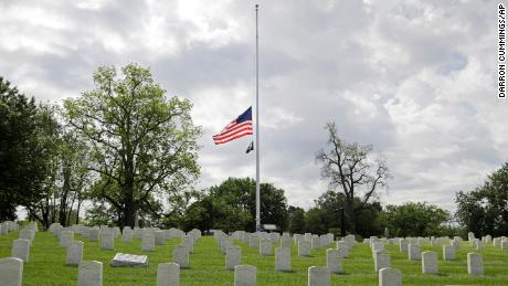 Flying the American flag on Memorial Day honors military personnel. Here's the very specific way to do that.