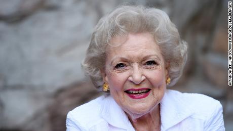 Betty White se porte parfaitement bien malgré la pandémie de coronavirus