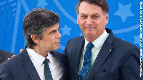 Bolsonaro and Nelson Teich (left), who disagreed with the President and resigned.