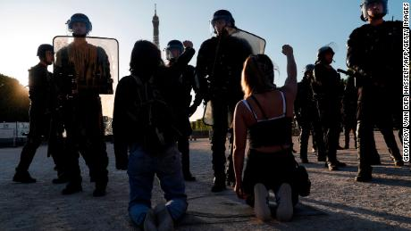 France will ban police from using chokeholds
