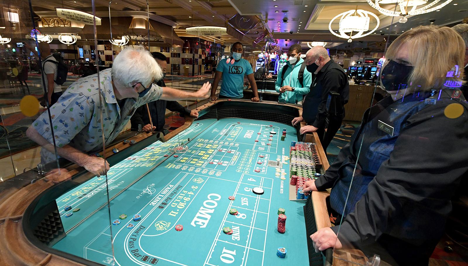 Las Vegas Reopened People Showed Up Cnn Travel