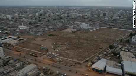عدن نے یمن کے کوویڈ 19 میں ہلاکتوں کی تعداد میں اضافے کے ساتھ ہی اس کے قبرستان تیزی سے پھیلتے ہوئے دیکھے ہیں۔