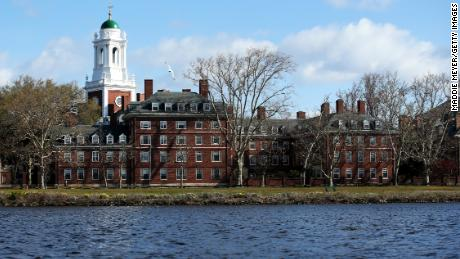 Harvard to offer all classes online next school year