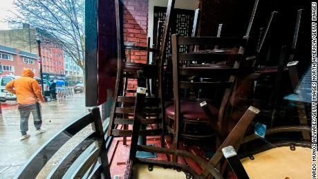 Murphy halts indoor dining resumption