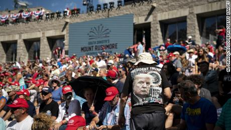 Hundreds of people arrived at Mount Rushmore to watch President Donald Trump ahead of Fourth of July.