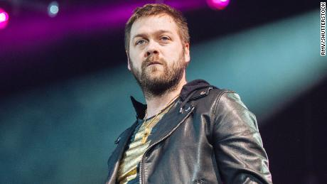 Kasabian frontman Tom Meighan quits rock band over 'personal issues'