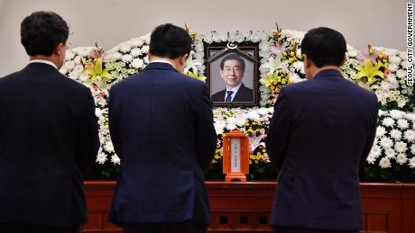 People pay their respects to Park Won-soon at a mortuary in Seoul on July 10, 2020.