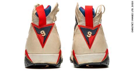 Jordan portait le numéro 9 à Barcelone 1992 au lieu de son 23 habituel.