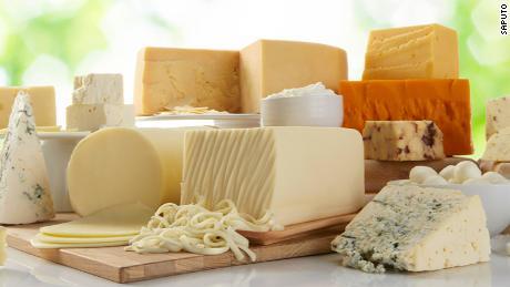 یک شرکت غذایی استرالیایی سرانجام نام تجاری پنیر تهاجمی نژادی خود را تغییر داد