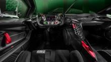 Volanul Lamborghini Essenza SCV12 este modelat pe un volan de mașină de curse Formula 1.