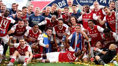 Le doublé de Pierre-Emerick Aubameyang aide Arsenal à remporter la FA Cup contre Chelsea