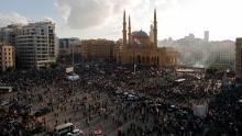Los manifestantes se reúnen en una protesta en Beirut el sábado.