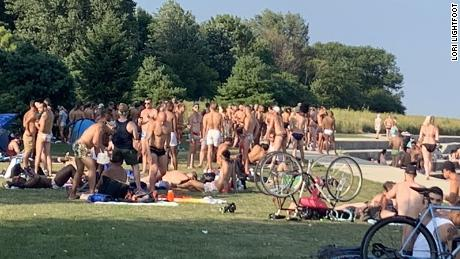 A fence goes up in Chicago after the mayor scolded residents gathered at Montrose Beach