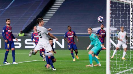 Lewandowski scores his team's sixth goal.