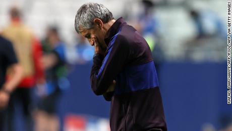 Setien réagit suite à un but du Bayern Munich.