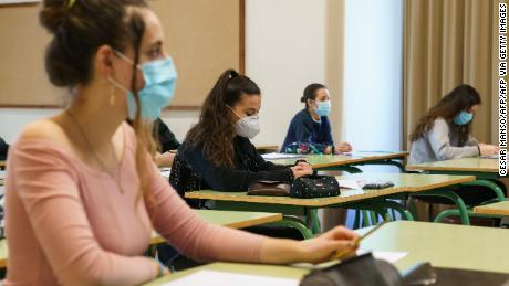 In-person learning during the pandemic is possible with the right precautions, CDC researchers say