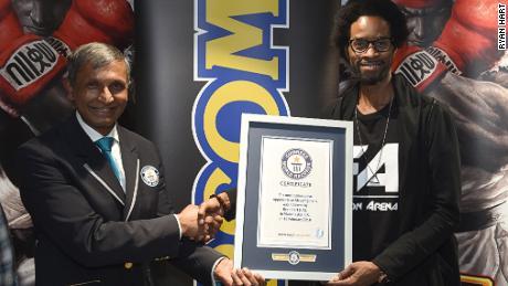 ในปี 2559 ฮาร์ทสร้างสถิติโลกกินเนสส์ด้วยการเอาชนะผู้คน 260 คนติดต่อกันที่ Street Fighter V ตลอดช่วงเวลา 11 ชั่วโมงโดยไม่มีการหยุดพัก
