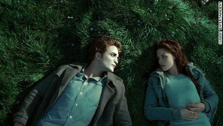 "Robert Pattinson and Kristen Stewart played lovers in ""Twilight."""