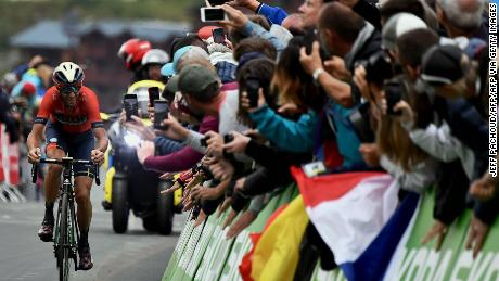 Fans cheer Italy's Vincenzo Nibali in the last kilometre before the finish line of the twentieth stage of the 106th edition of the Tour de France cycling race between Albertville and Val Thorens, in Val Thorens, on July 27, 2019.
