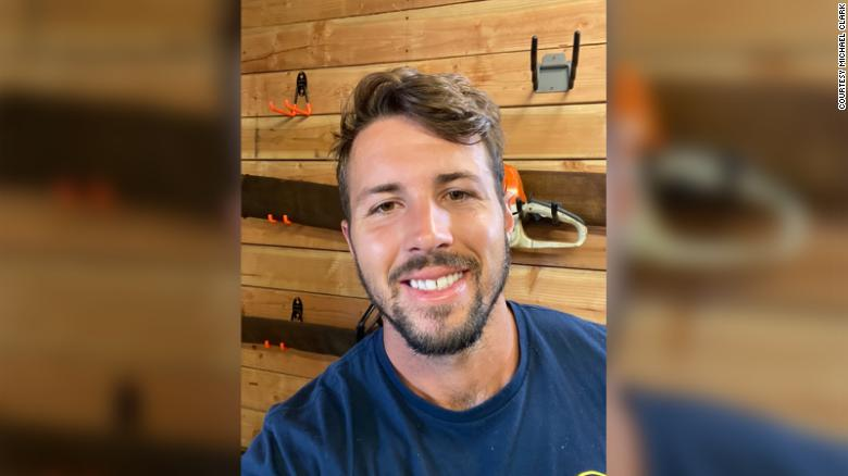 'Come on, guys': Firefighter goes viral debunking wildfire conspiracies on TikTok