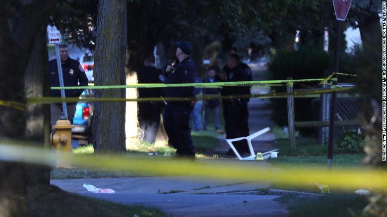 적어도 40 rounds were fired during shooting that left two dead at a party in New York, 경찰은 말한다