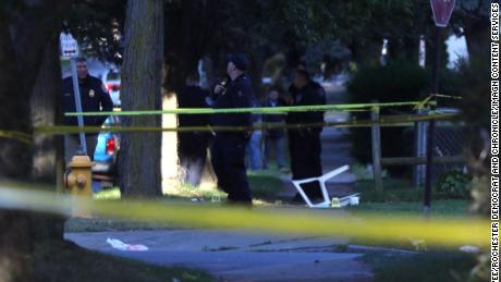 Shooting at a backyard party in Rochester leaves 2 dead and 14 부상당한