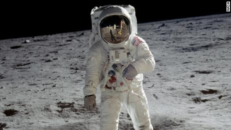 NASA outlines $  28 billion plan to land the first woman on the Moon by 2024