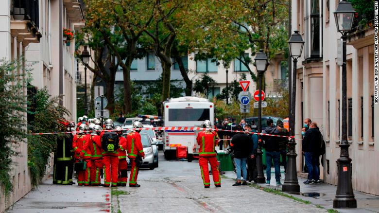 Paris knife attack suspect is of Pakistani origin, French authorities say