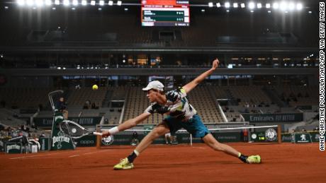Open de France: l'adolescent Jannik Sinner choque la 11e tête de série David Goffin le jour de l'ouverture