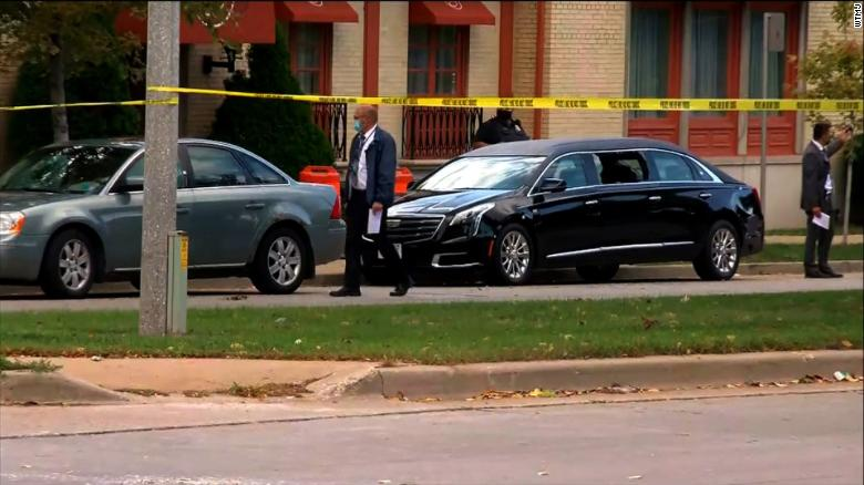 Seven people shot at Milwaukee funeral home, 경찰은 말한다